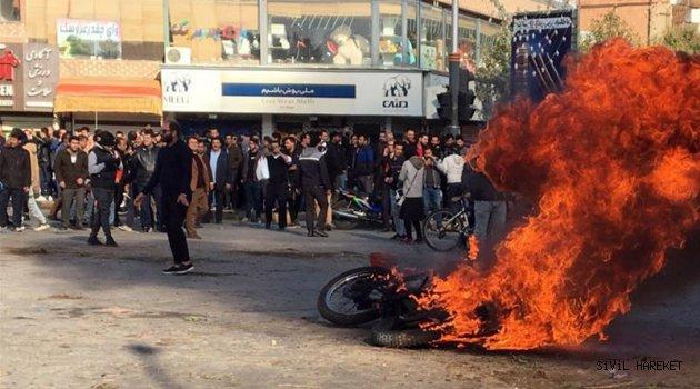 Komşu İran'da petrol zammı ayaklanması