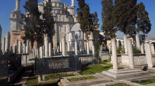 K. Topbaş Fatih Camiine Haziresine gömüldü