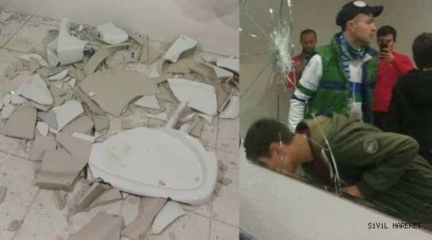 Rize Taraftarı Akyazıda tuvalete saldırdı