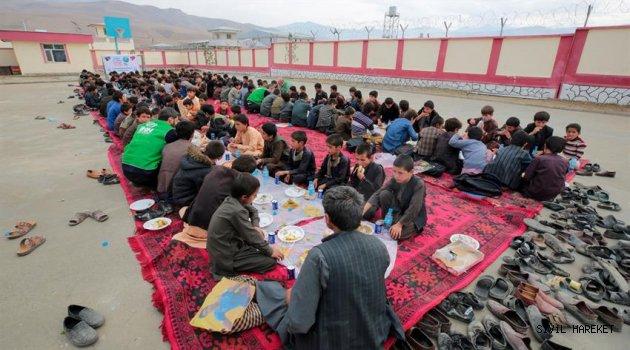 Türkiye'den Afganistan'a 'yetim seferi'