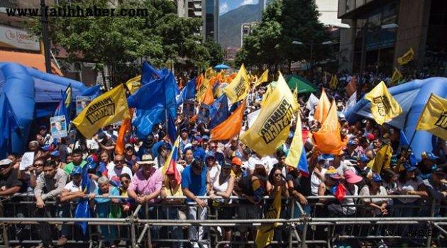 Venezüellada neler oluyor?