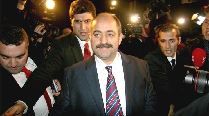 Zekeriya Öz'den Akit'e suç duyurusu